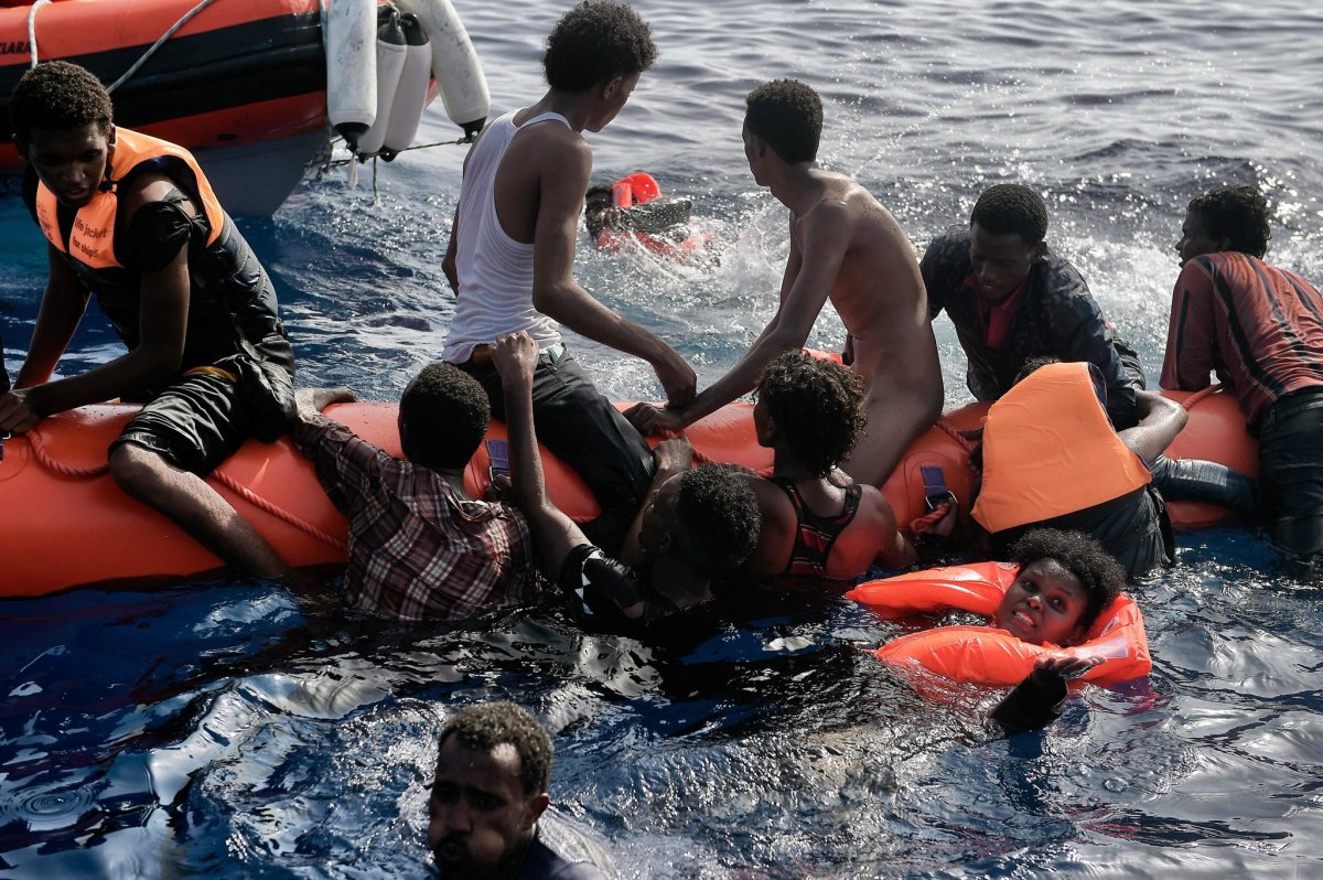250 migrants taken to Italy from Libyan coast