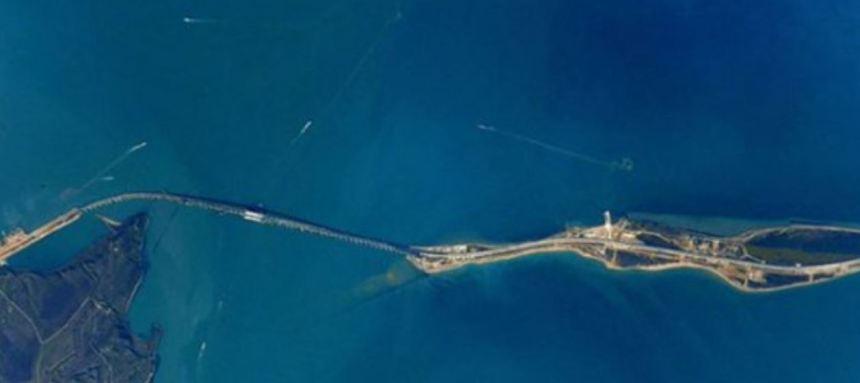 Crimean bridge space