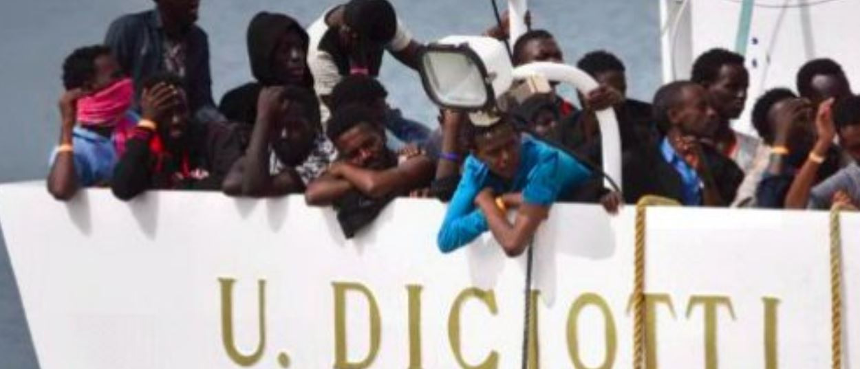 Flows of migrants continue to stream to Italy