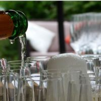 Art of serving Champagne