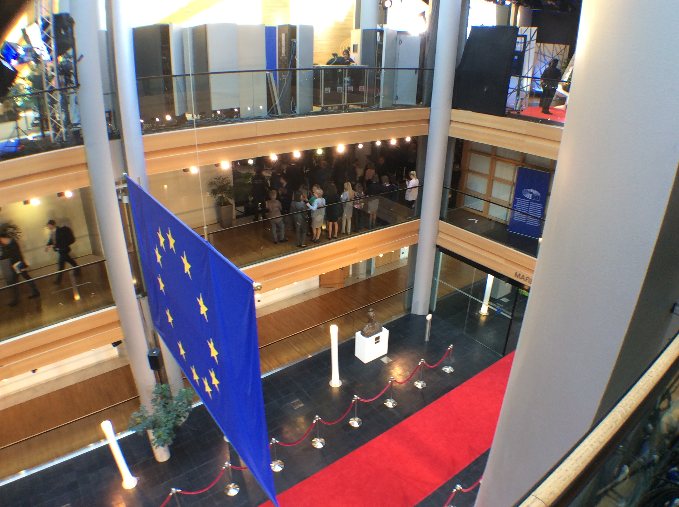 Strasbourg Europarl in lock down after shooting