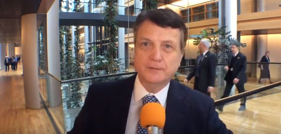Batten MEP calls for hard Brexit