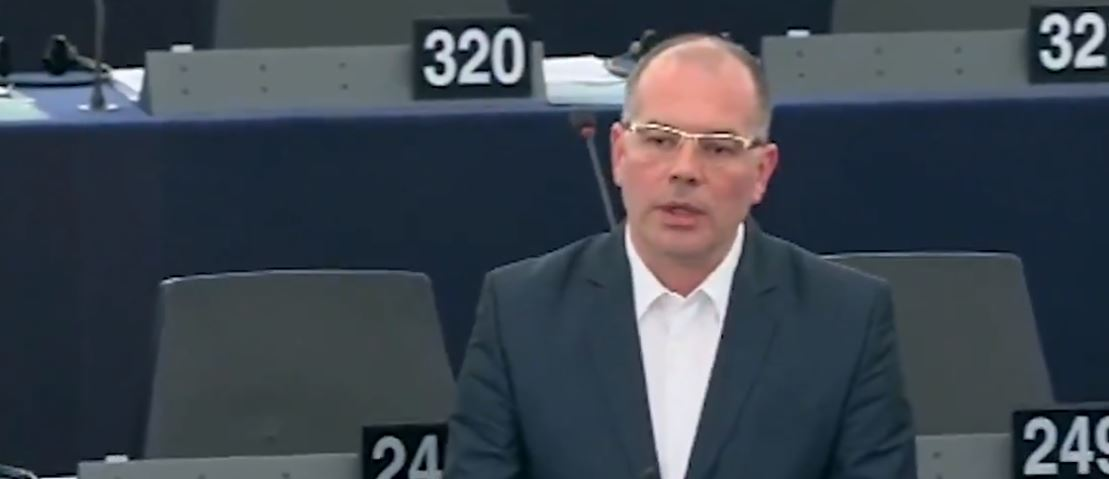Mamikins MEP challenges Latvian PM