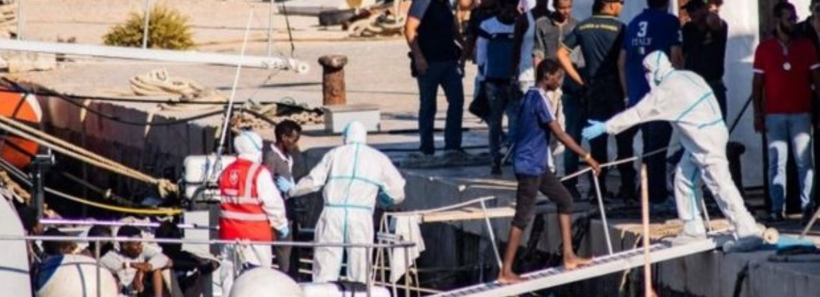 Open Arms: 27 migrants allowed ashore