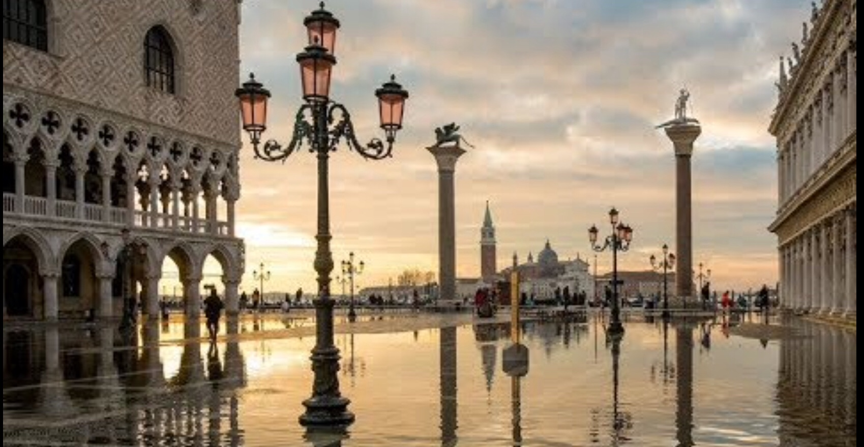 Venice suffers acqua alta