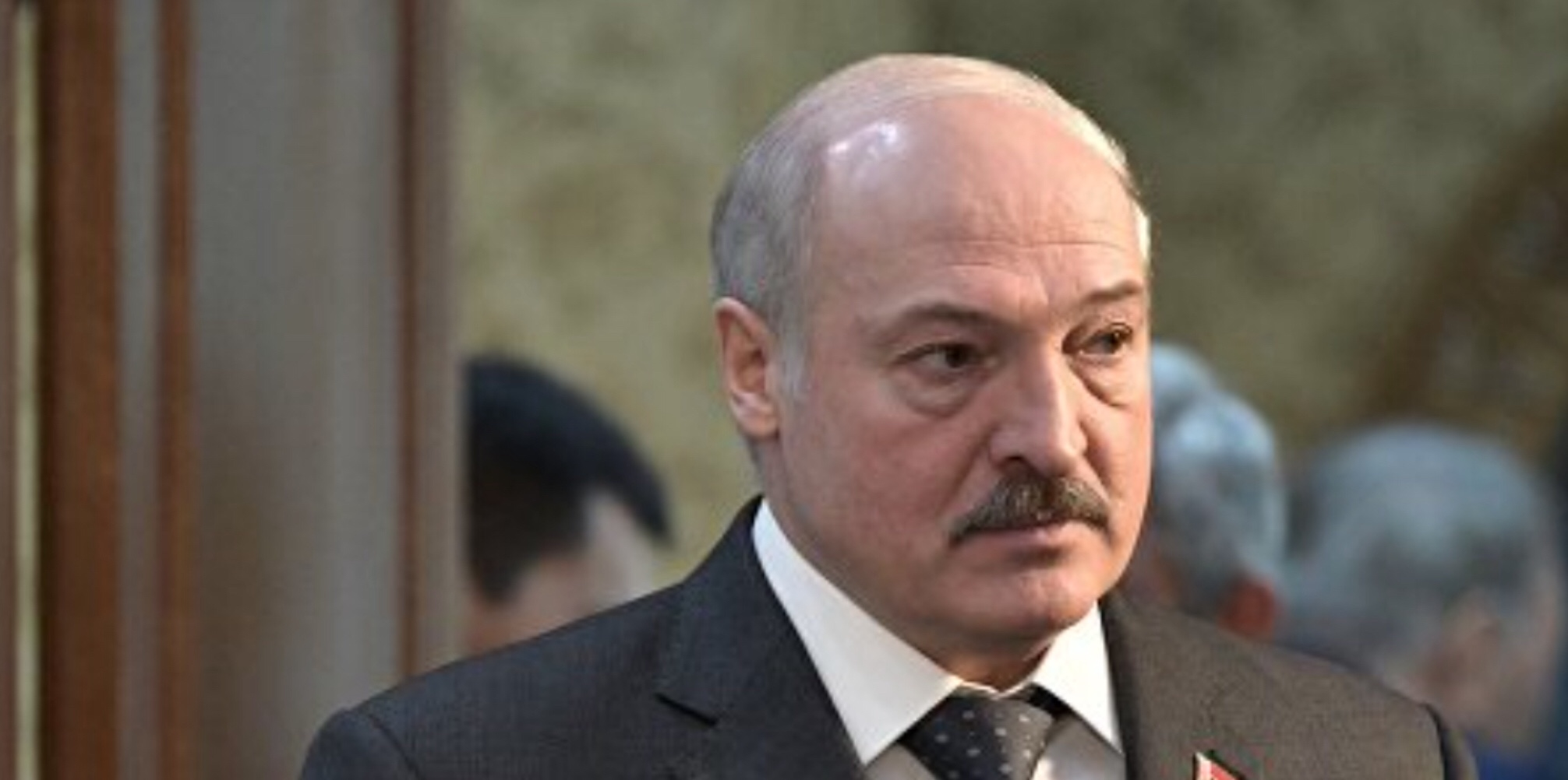 Lukashenko in whirlwind of political crisis